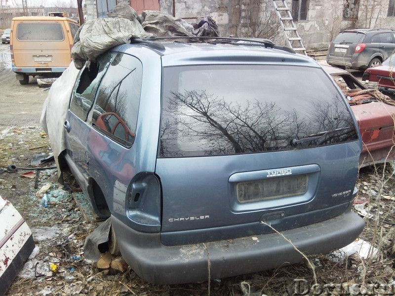 Продам б. у. запчасти для Chrysler Voyager 1997г. ТНВД, стекла с правой стороны, двери с правой стор..., фото 1